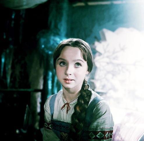 Наталья Евгеньевна Седых в роли Настеньки. Кадр из к/ф «Морозко», 1964 г.