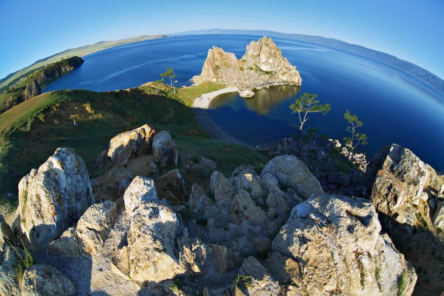 Мыс Скала Шаманка. Крупнейший остров озера Байкал
