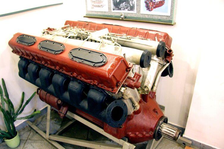 Дизельный двигатель В-2