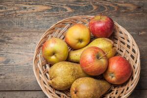 Как сохранить яблоки и груши на длительное время?