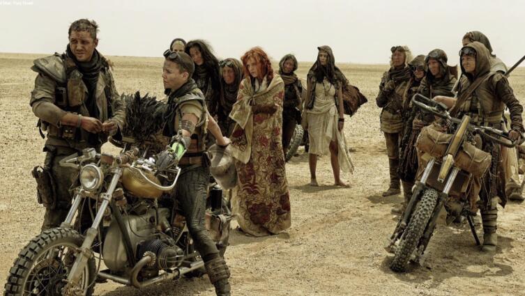 Что в фильмах порой бывает так же интересно, как и игра актеров? Костюмы в стиле «постапокалипсис»