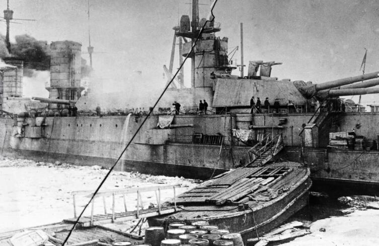 Мятежный линкор «Петропавловск», 03.03. 1921 г. (31 марта 1921 года линкор «Петропавловск» был переименован в «Марат»)