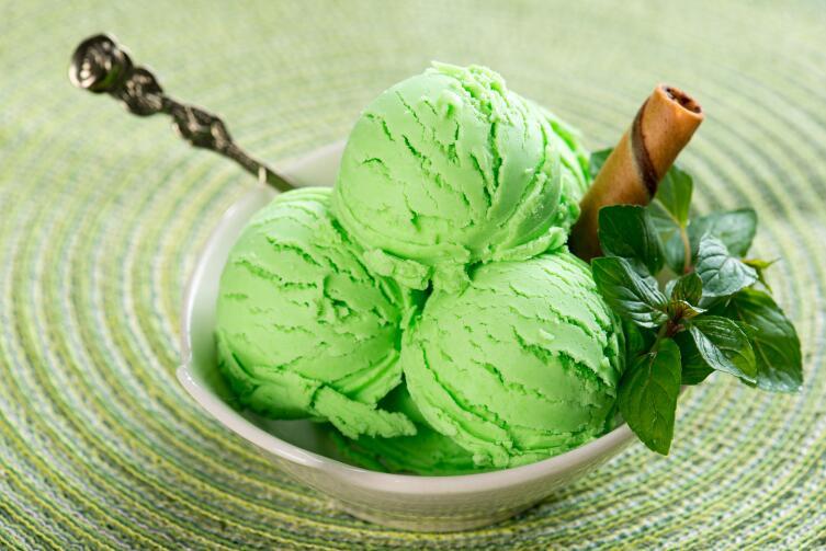 Как приготовить необычное домашнее мороженое из морковки, огурца, сыра с грушей и зеленого чая?