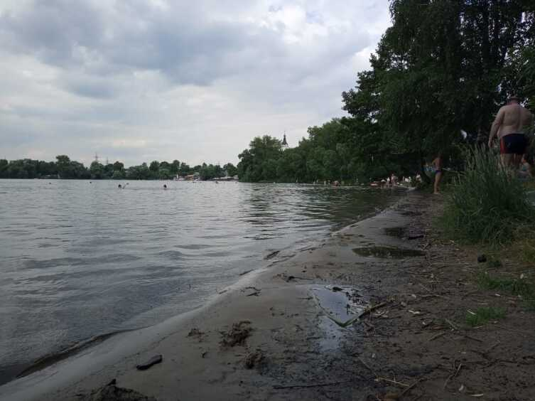 Где можно искупаться в столице? Белое озеро