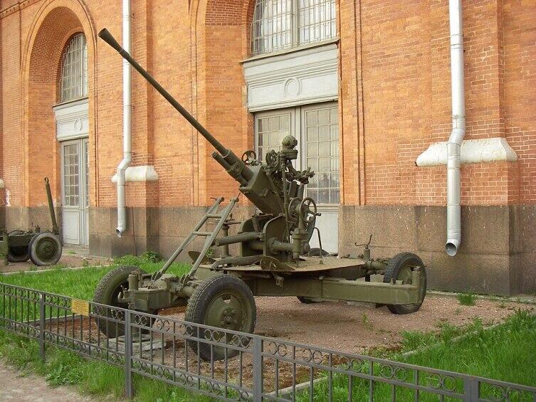 Советская зенитная 37мм пушка 61-к