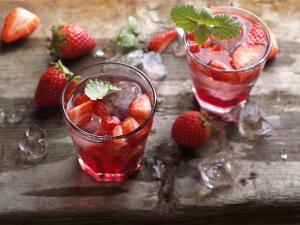 Как легко и просто приготовить два летних витаминных напитка?