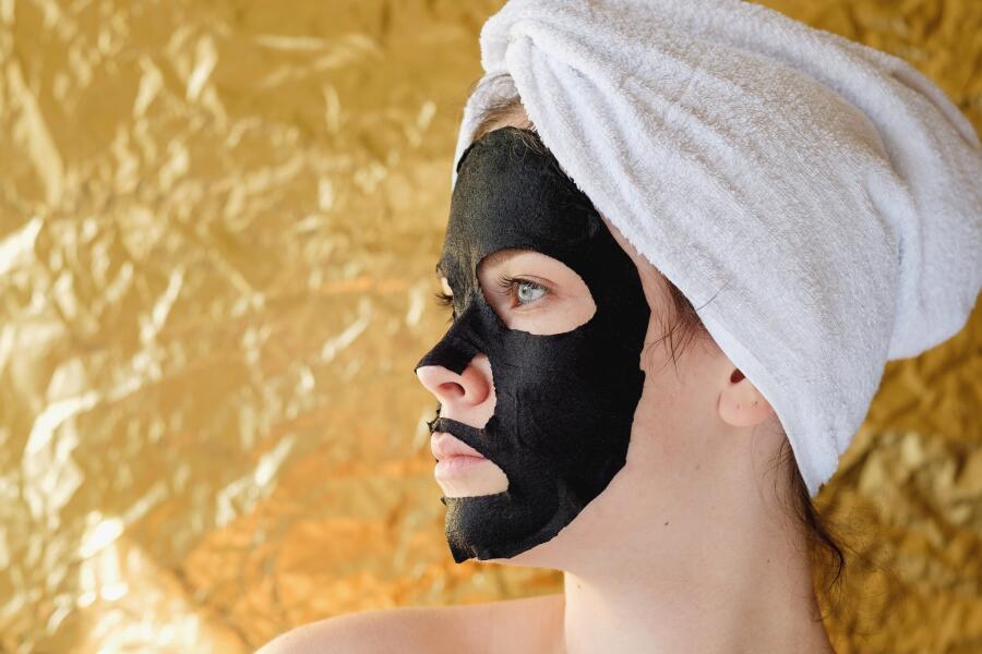 Какие маски для лица можно делать летом?