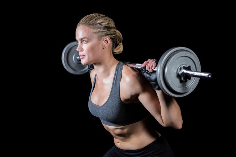 Женщинам показаны в первую очередь упражнения, направленные на проработку мышц нижней части тела