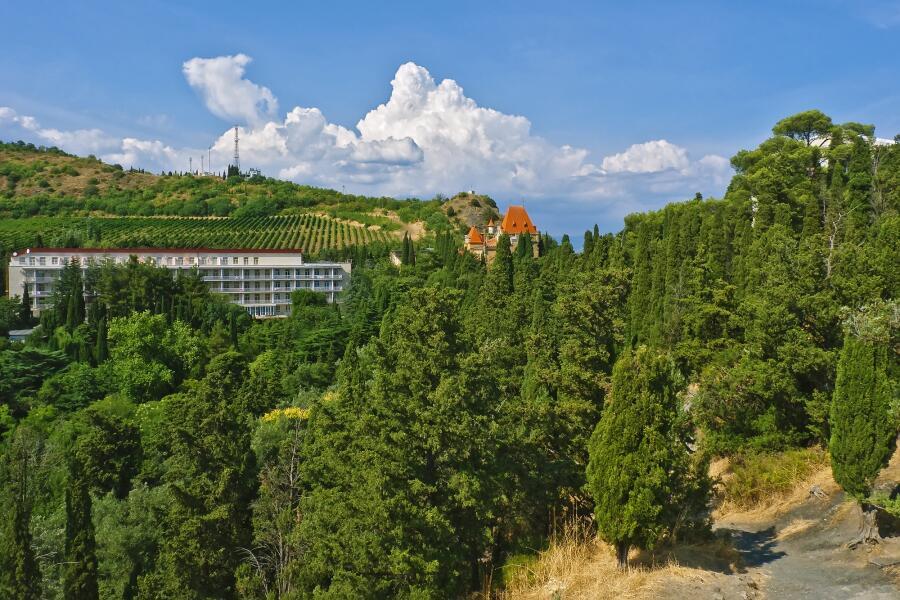 Санаторий в горах Крыма