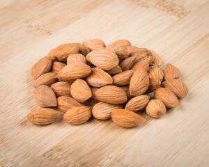 Что можно приготовить из абрикосовых косточек?