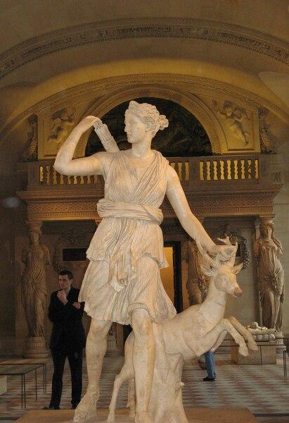 Диана Версальская (Лувр)