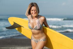 Скандалы вокруг бикини. Чем виноват «костюм для пляжа»?