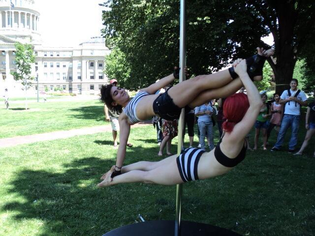 Спортивные бикини для пилонной гимнастики