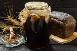 Как приготовить домашний квас? Пара простых рецептов