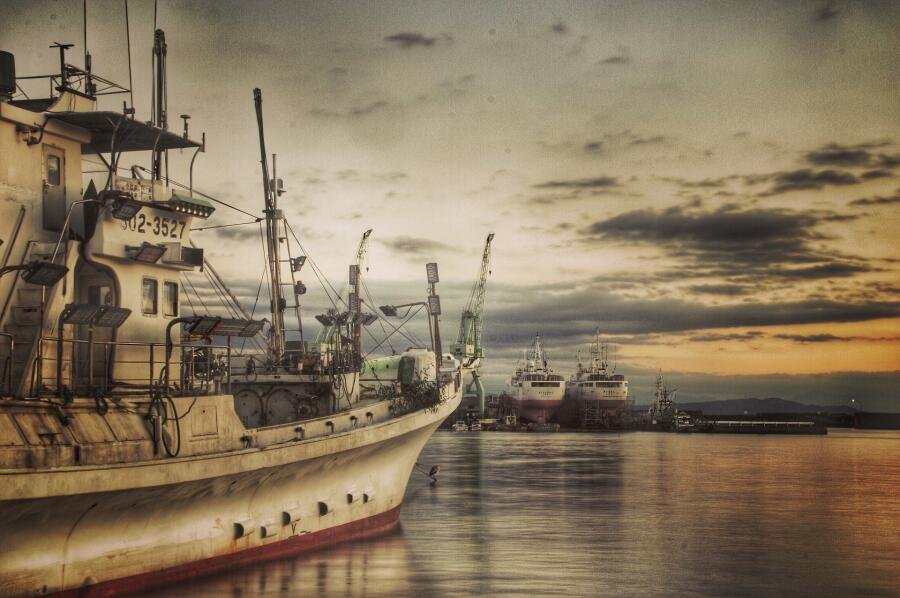 Как встречала российских моряков почти родная Япония?
