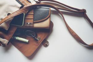 Какие предметы нельзя держать в кошельке?