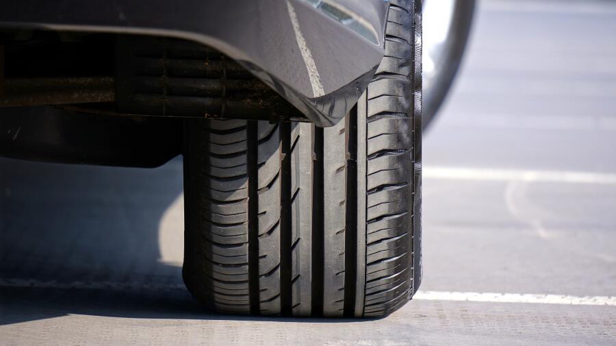 «Читаем» протектор: о чем расскажет рисунок шины?