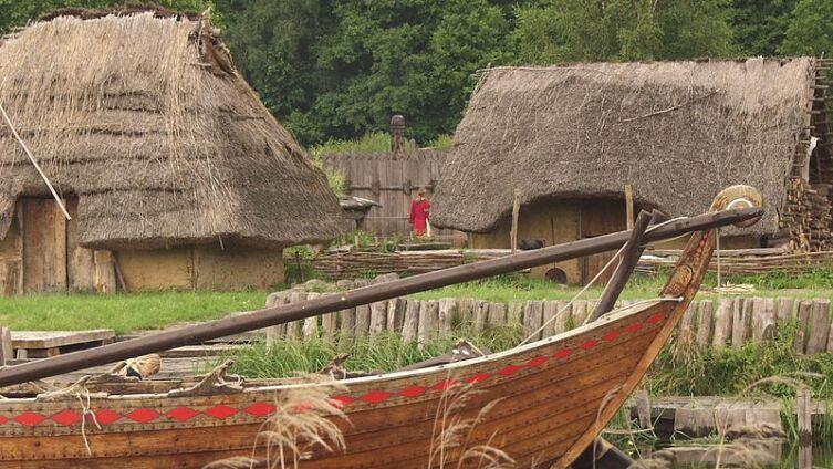 Реконструированная славянская деревня Украненланд