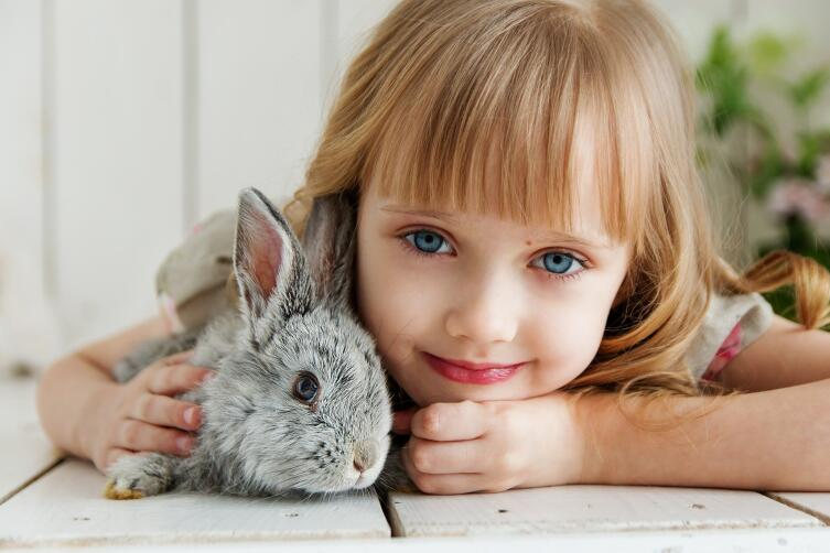 Помните, то, что вызывает умиление в ребенке, не всегда уместно для взрослого