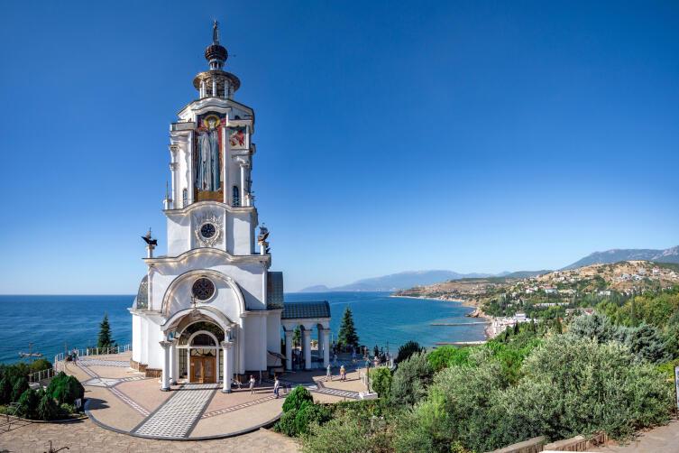 Храм-маяк Святого Николая Чудотворца в Малореченском
