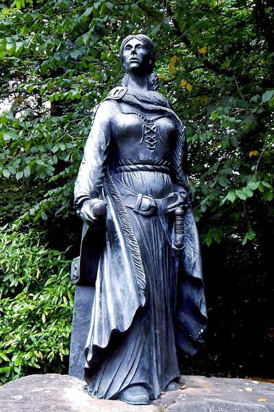 Памятник Грейс О'Мэлли