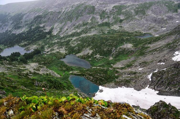 Первые 4 Каракольских озера, вид с перевала Багаташ
