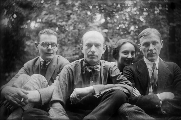 Сергей Топленинов, Николай Лямин, Любовь Белозерская, Михаил Булгаков. Останкино, 1926 г.