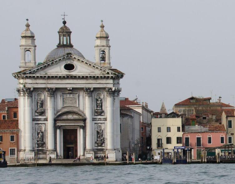 Как церковь Джезуати в Венеции стала собственностью государства?