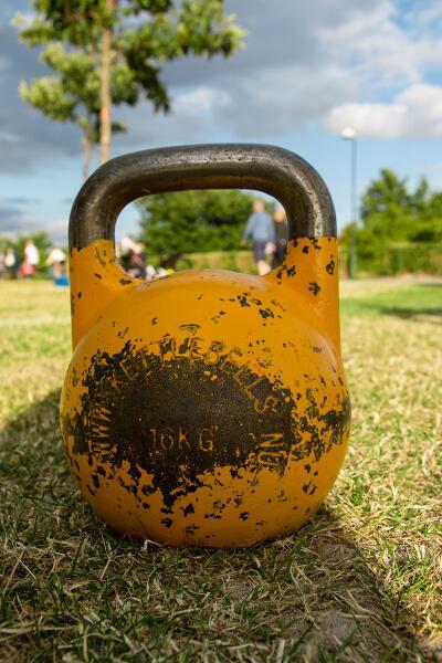 16-килограммовая (35-фунтовая) «соревновательная гиря»