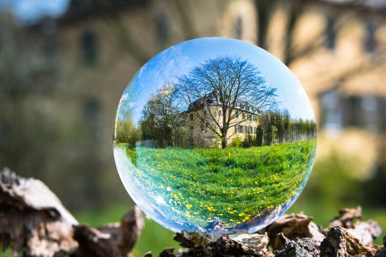 Как с выгодой купить недвижимость за рубежом?