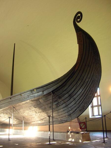 Драккар в музее викингов в Осло