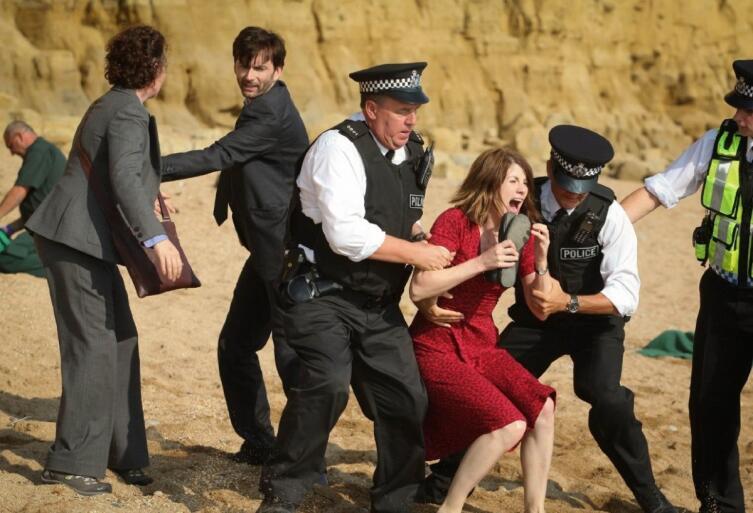 Кадр из т/с «Бродчерч / Убийство на пляже», 2013 г.