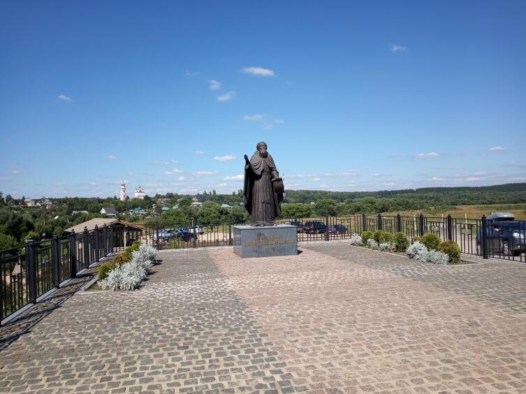 Памятник Пафнутию Боровскому
