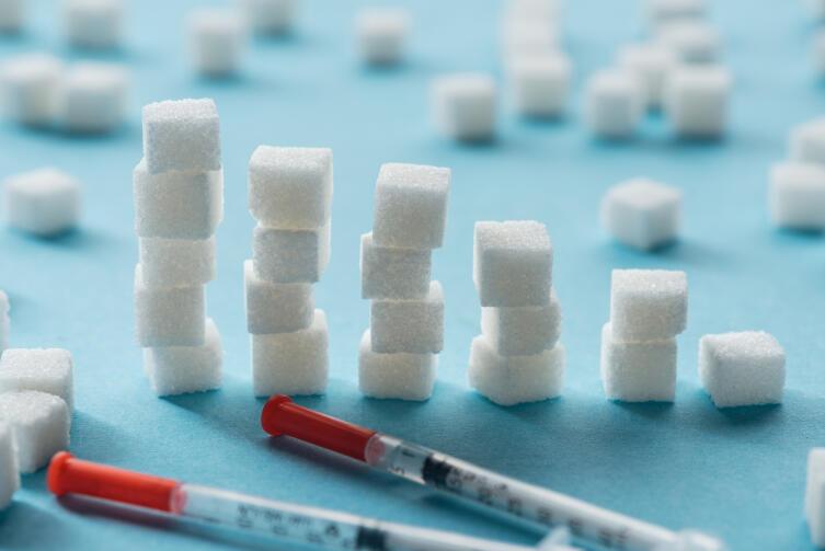 Как регулируется  уровень сахара в крови?