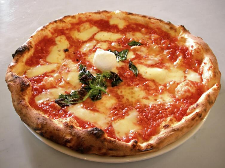 Пицца Маргарита, названа в честь королевы Неаполя