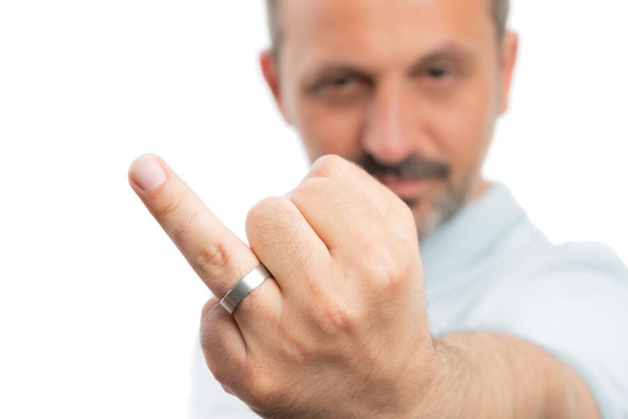 Что расскажет о человеке его безымянный палец?