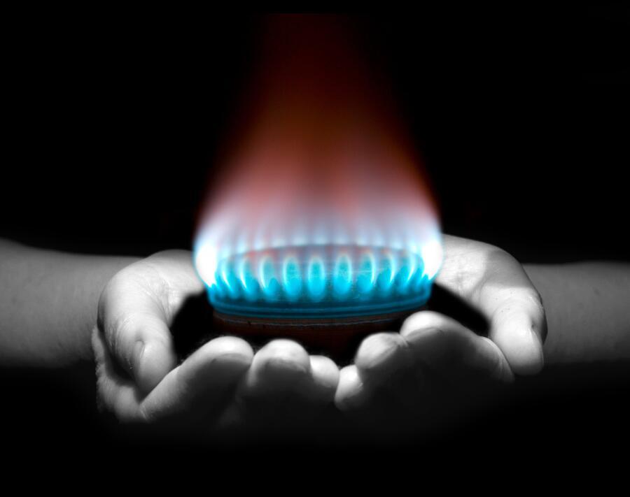Как перевозят и хранят природный газ?