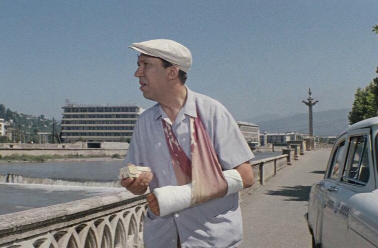 Кадр из к/ф «Бриллиантовая рука», 1968 г.