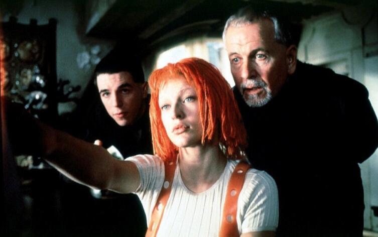 Кадр из к/ф «Пятый элемент», 1997г.