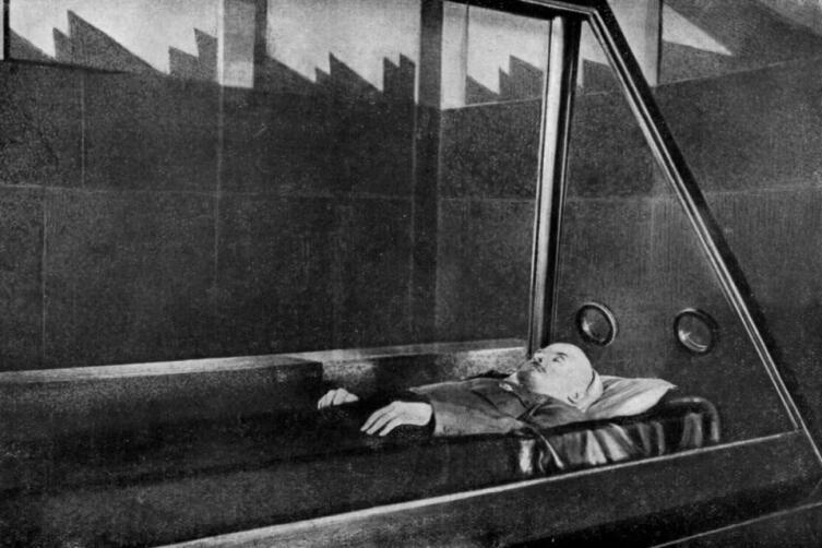 Первый саркофаг Ленина