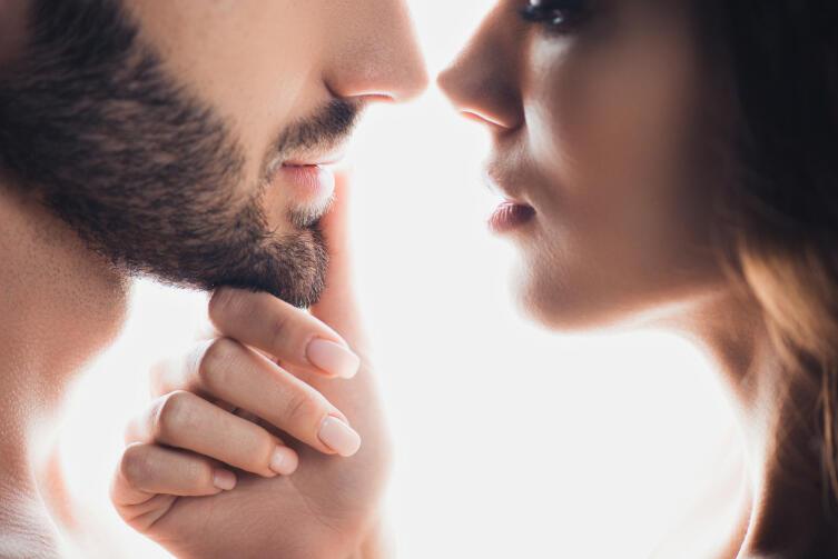 Как определить, когда женщина сама себя обесценивает?