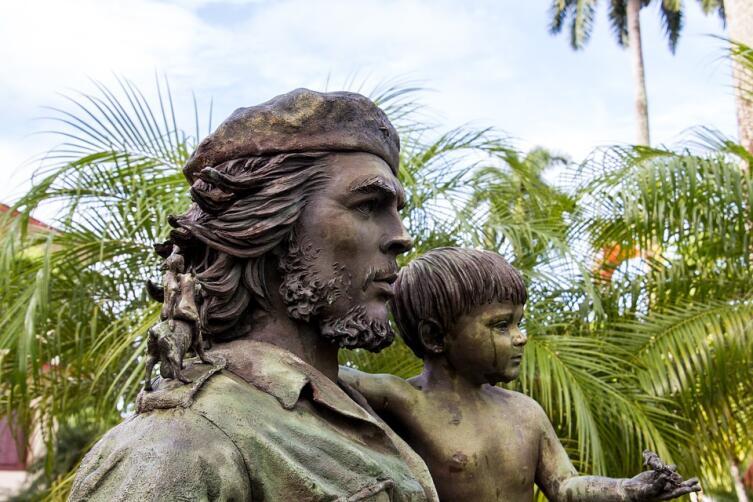 Памятник Че Геваре. Санта-Клара, Куба