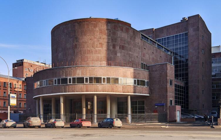 Здание Центросоюза. Проект французского архитектора Ле Корбюзье при участии Пьера Жаннере и Николая Колли