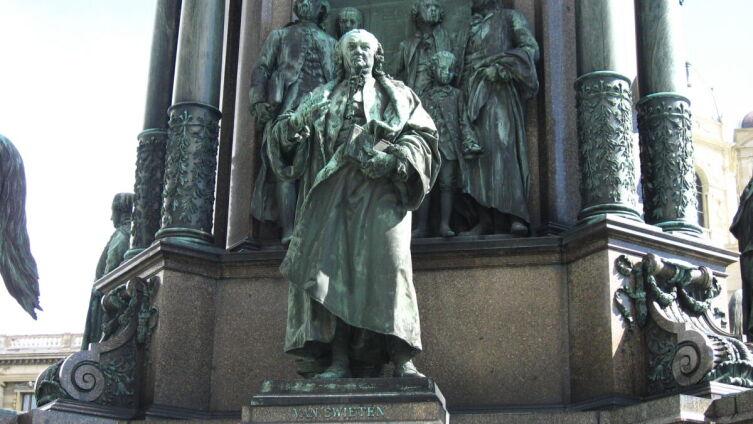 Памятник ван Свитену в Вене (мемориал Марии Терезии)