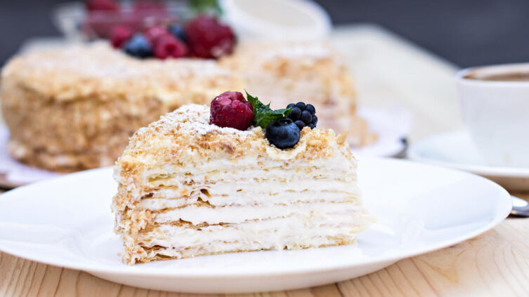 Как приготовить торт без выпечки? Два быстрых бюджетных рецепта