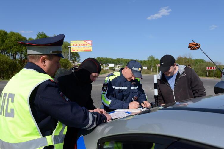 Какие права и обязанности у инспектора ДПС?