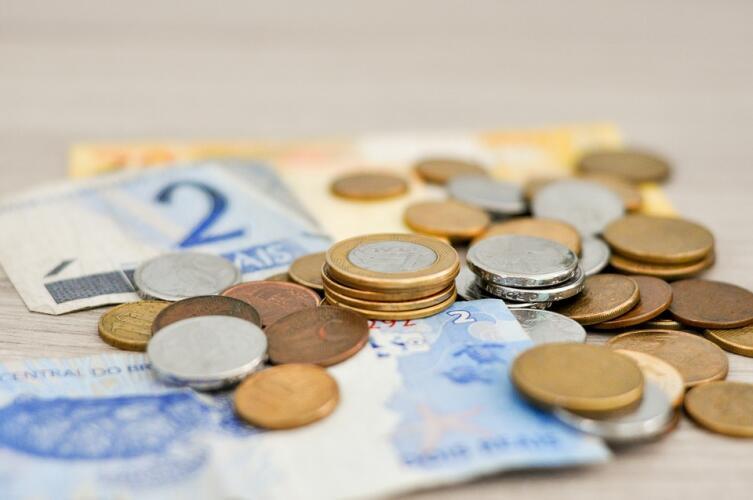 Как научиться откладывать деньги даже при небольших доходах?