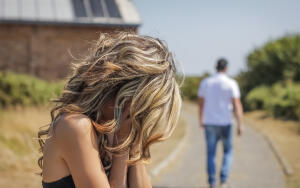 Почему женщины надоедают мужчинам?