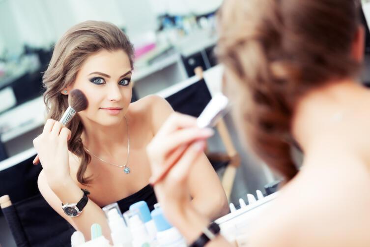 Азы макияжа. Как пользоваться хайлайтером?