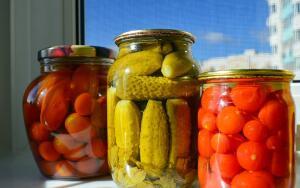 Какие ингредиенты сделают консервированные овощи более вкусными и ароматными? Пять секретных добавок